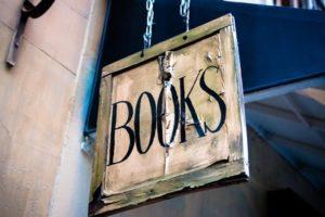 営業マンこそおすすめの本を読むべき