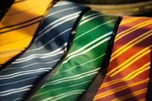営業マンのネクタイの色について