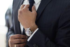 営業マンはネクタイをするべき