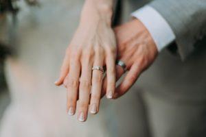 男性MRはなぜ結婚相手として人気なのか?